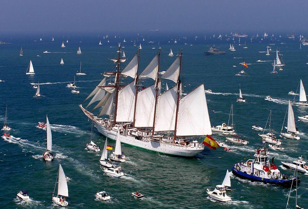 Las ventajas y desventajas de navegar a vela o a motor